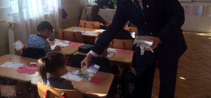 Polițiștii clujeni, alături de elevii din Dej și Chiuiești la începerea noului an școlar – FOTO